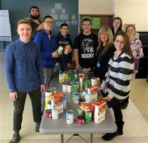 STEM HIGH SCHOOL STUDENTS ORGANIZE HOLIDAY FOOD DRIVE