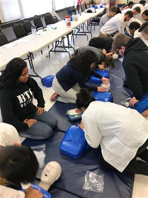 DENTAL CHAIRSIDE ASSISTING & CERTIFIED PERSONAL TRAINER STUDENTS RECEIVE CPR TRAINING