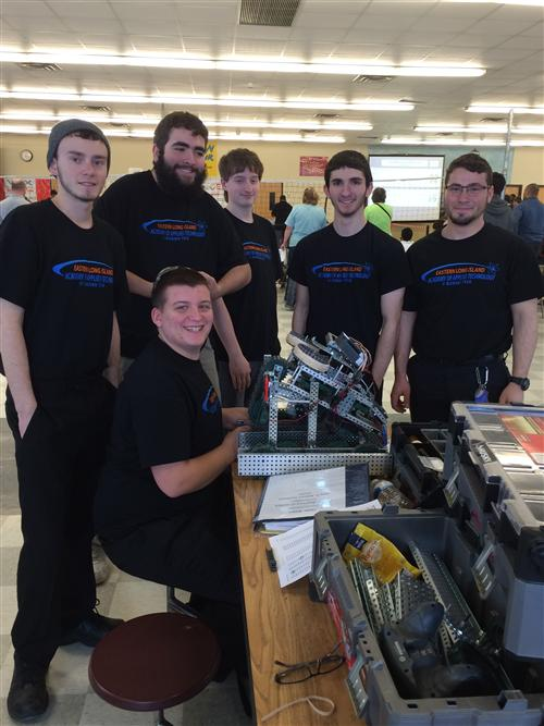 ENGINEERING/STEM VEX ROBOTICS TEAM QUALIFIES FOR BOTH STATE AND NATIONAL COMPETITION
